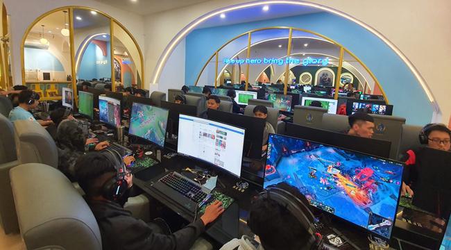 """Ý tưởng đằng sau phòng máy trở thành """"biểu tượng eSports"""" Nha Trang"""