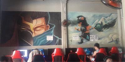 Quán net chịu chơi nhất Huế: phủ kín tường bằng hình vẽ tướng LMHT