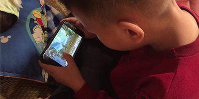 PUBG Mobile: Giả vờ học để chạy bo, game thủ nhí bị phụ huynh combat tại trận