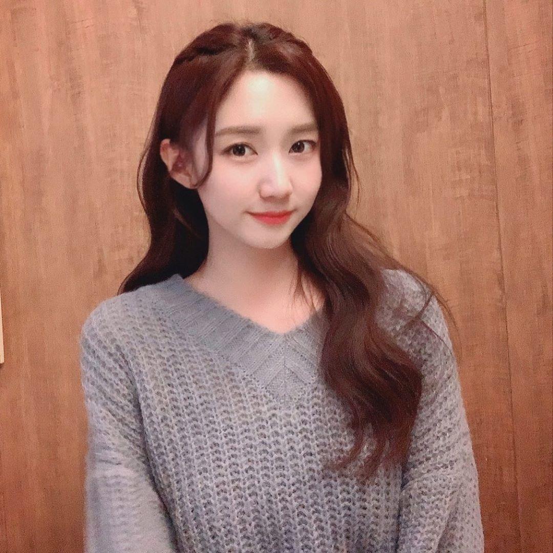 ngam-nhin-nhung-fangirl-cuc-chat-damwon-gaming