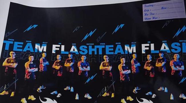 Liên Quân Mobile: Fan cứng Team Flash in hình đội tuyển lên dụng cụ học tập