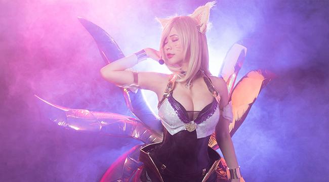 LMHT: Bỏng mắt với cosplay Ahri K/DA đầy gợi cảm