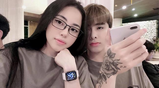 """LMHT: Không status mùi mẫn, Zeros lẳng lặng tag tên Lai Lai lên ảnh đôi để """"khẳng định chủ quyền"""""""
