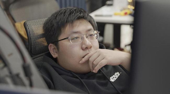 """""""Đóng đô"""" ở quán café Internet, nam thanh niên nghiện game trở thành thiên tài lập trình viên"""