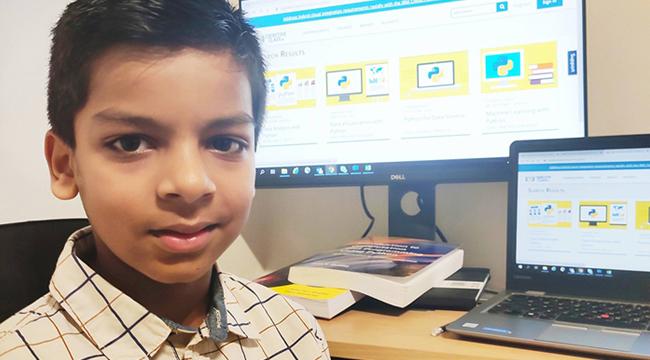 Thần đồng máy tính 6 tuổi trở thành lập trình viên AI trẻ nhất thế giới