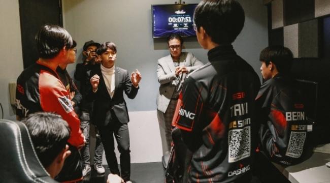 """""""Ngài Ren"""" bị gạ bán độ ở VCS, số tiền lên tới hơn 200 triệu một trận"""