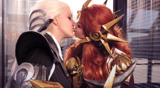 """LMHT: Riot ra thêm trang phục """"lộ mặt"""", hé lộ tình cảm của Diana và Leona"""